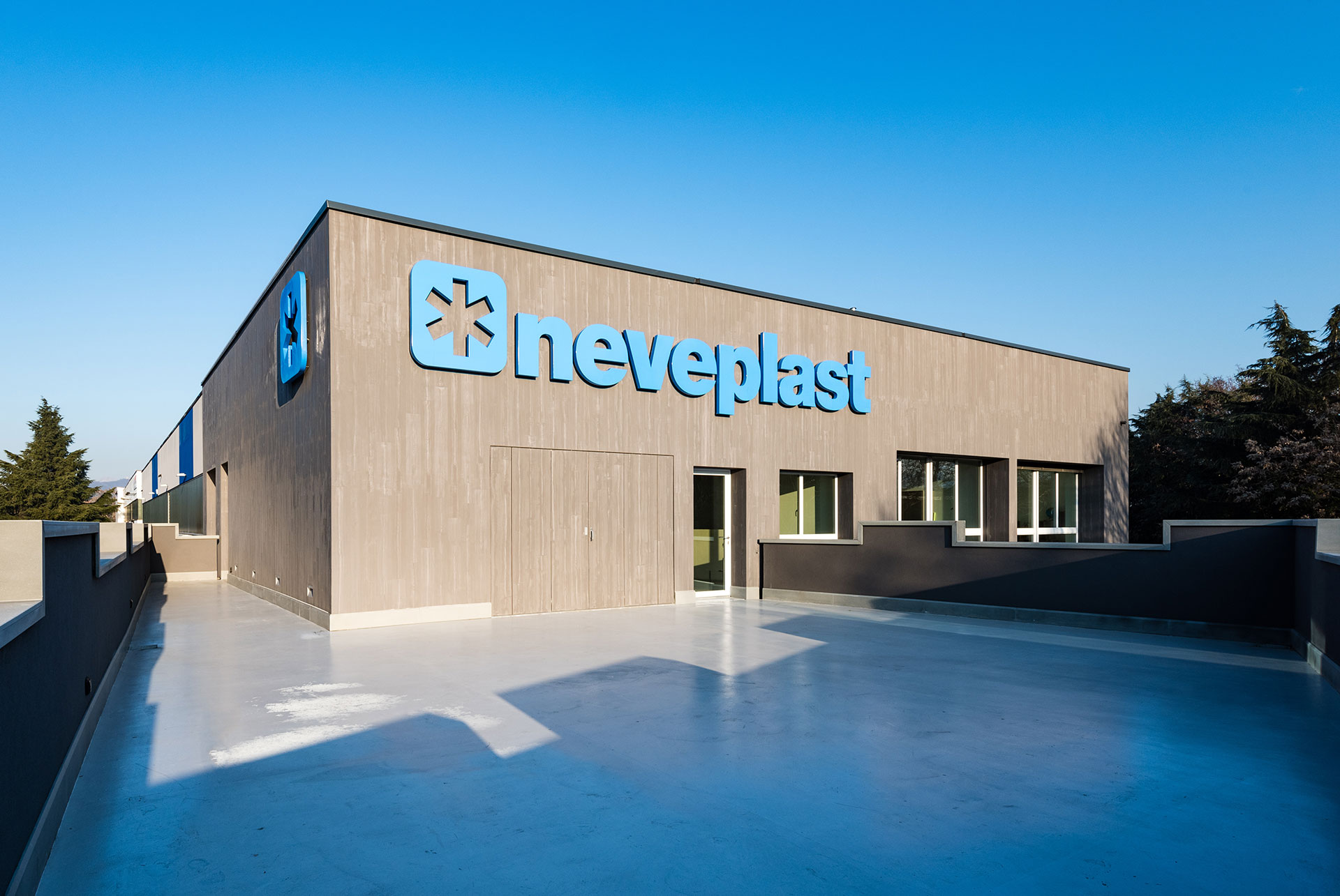 NEVEPLAST OFFICES