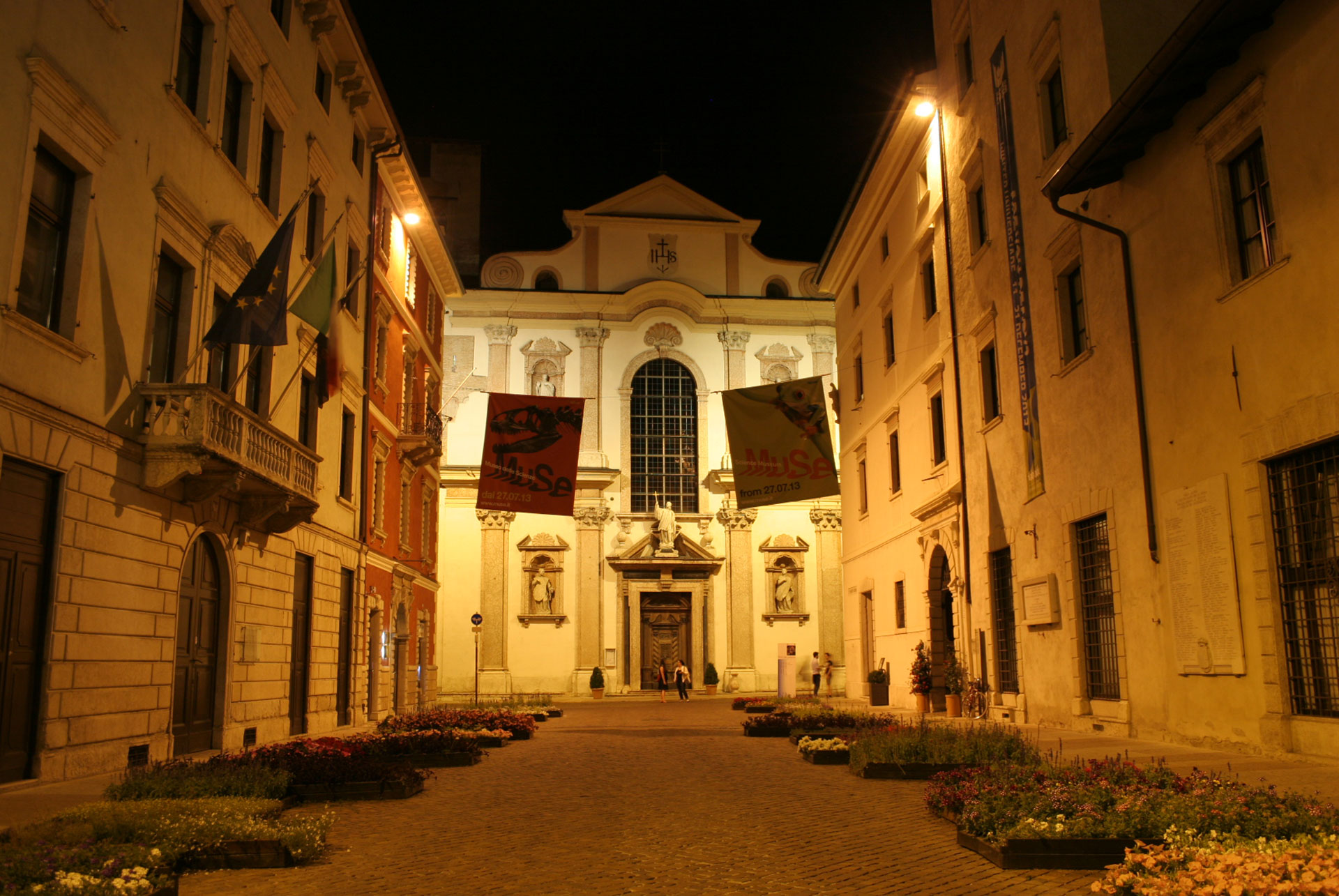 TRENTO'S LIGHTING PLAN